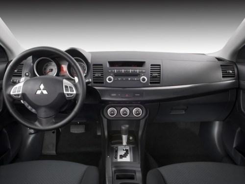 Краткий обзор автомобиля Mitsubishi Lancer X