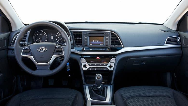 Hyundai-Elantra-2017-22